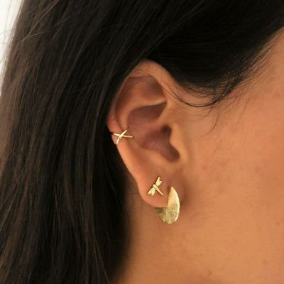 EAR CUFF CROSSED GOLD