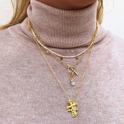 gargantilla de oro amarillo con cruz