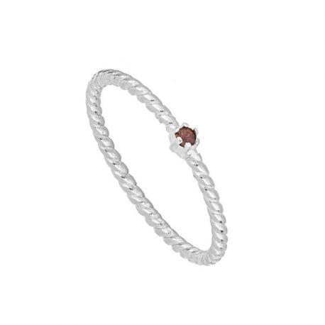anillo de piedra retorcido
